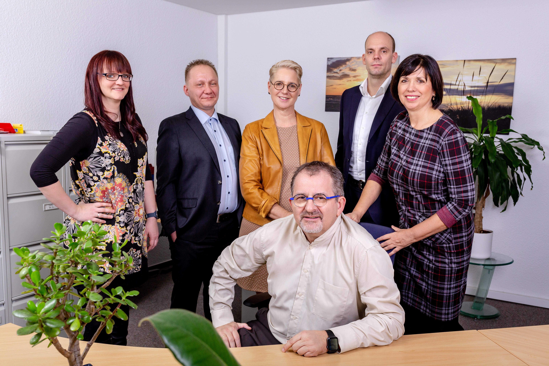 Versicherungsmakler Findess und Team